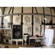 Atelier mit den ersten eigenen Bildern